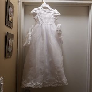 Rare Editions Dresses - Here's a gorgeous white dress
